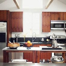 Фотография: Кухня и столовая в стиле Современный, Малогабаритная квартира, Квартира, Дома и квартиры, Советы, Мебель-трансформер – фото на InMyRoom.ru