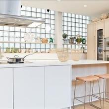 Фотография: Кухня и столовая в стиле Скандинавский, Эко, Декор интерьера, Квартира, Дом, Интерьер комнат, Цвет в интерьере, Белый – фото на InMyRoom.ru