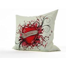 Декоративная подушка: Любовь и боль