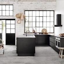 Фотография: Кухня и столовая в стиле Лофт, Декор интерьера, Квартира, Дом, Интерьер комнат, Цвет в интерьере, Белый – фото на InMyRoom.ru