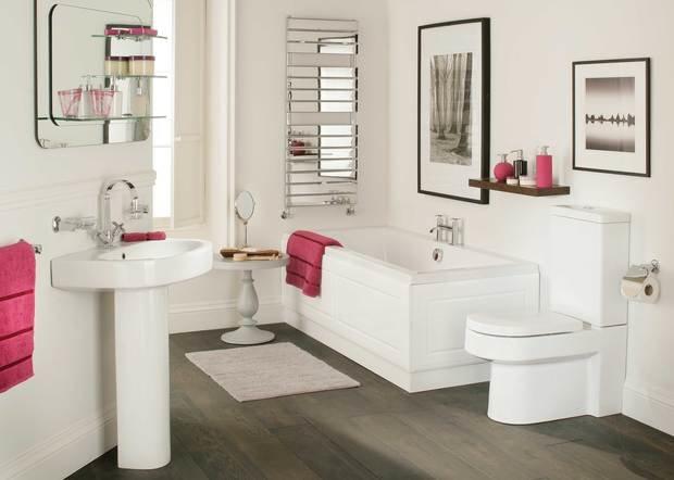 Фотография: Ванная в стиле Прованс и Кантри, Мебель и свет, Советы, Ремонт на практике – фото на InMyRoom.ru