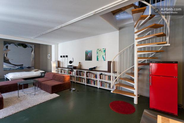 Фотография: Гостиная в стиле Лофт, Декор интерьера, Квартира, Дома и квартиры, Airbnb – фото на InMyRoom.ru
