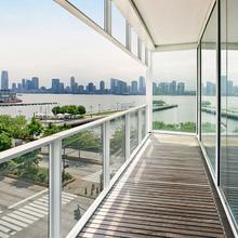 Фотография: Балкон в стиле Современный, Декор интерьера, Квартира, Дом, Декор дома, Люди, Картины – фото на InMyRoom.ru
