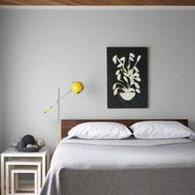 Фотография: Спальня в стиле Минимализм, Декор интерьера, Дизайн интерьера, Цвет в интерьере, Советы, Коричневый – фото на InMyRoom.ru