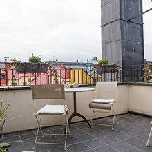 Фотография: Балкон в стиле Лофт, Скандинавский, Квартира, Швеция, Цвет в интерьере, Дома и квартиры, Белый, Картины – фото на InMyRoom.ru