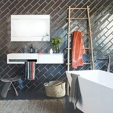 Фотография: Ванная в стиле Кантри, Квартира, Дом, Декор, Мебель и свет, Советы, Дача, Barcelona Design, как визуально увеличить высоту потолков – фото на InMyRoom.ru
