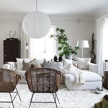 Фотография: Гостиная в стиле Скандинавский, Декор интерьера, Швеция, Декор дома, Цвет в интерьере, Белый – фото на InMyRoom.ru