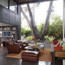 Фотография: Гостиная в стиле Лофт, Дизайн интерьера, Большие окна – фото на InMyRoom.ru