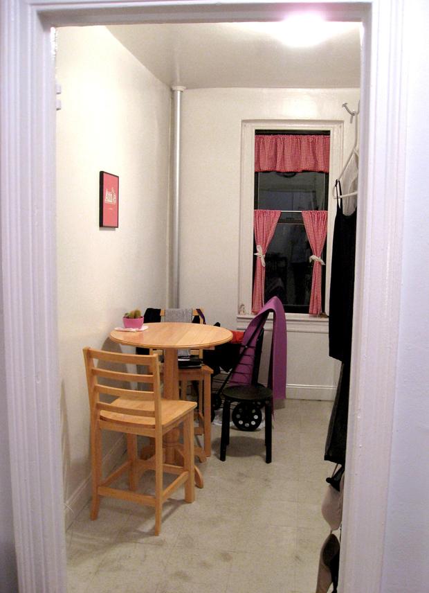 Фотография: Кухня и столовая в стиле , Малогабаритная квартира, Квартира, Дома и квартиры, Нью-Йорк – фото на InMyRoom.ru