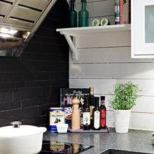 Фотография: Кухня и столовая в стиле Современный, Скандинавский, Квартира, Швеция, Цвет в интерьере, Дома и квартиры, Белый, Черный – фото на InMyRoom.ru