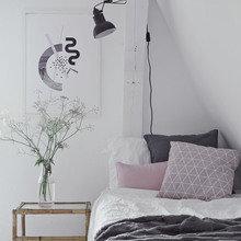 Фотография: Спальня в стиле Кантри, Скандинавский, Декор интерьера, Дом, Белый, Бежевый, Синий, Польша, Дом и дача – фото на InMyRoom.ru