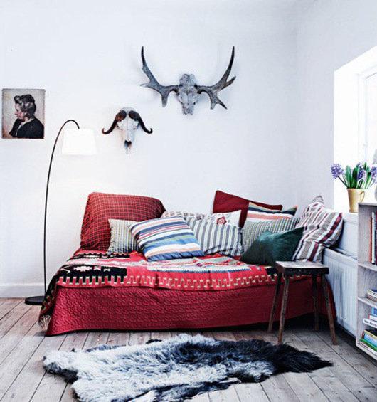 Фотография: Спальня в стиле Скандинавский, Декор интерьера, DIY, Декор дома, Ковер – фото на InMyRoom.ru