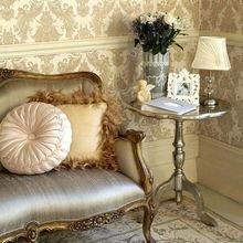 Фотография: Мебель и свет в стиле Кантри, Спальня, Декор интерьера, Квартира, Дом, Декор, Советы – фото на InMyRoom.ru