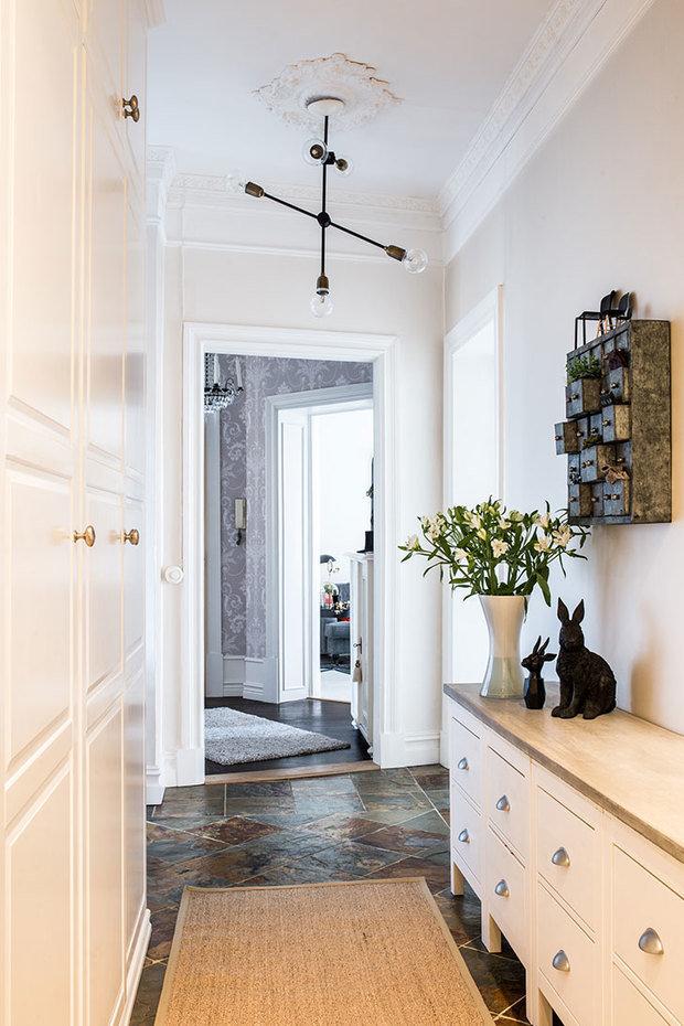 Фотография: Прихожая в стиле Скандинавский, Декор интерьера, Квартира, Швеция, 3 комнаты – фото на InMyRoom.ru