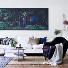 Фотография: Гостиная в стиле Кантри, Скандинавский, Декор интерьера, Швеция, Декор дома, Цвет в интерьере, Белый – фото на InMyRoom.ru