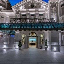 Фотография: Архитектура в стиле , Цвет в интерьере, Дома и квартиры, Городские места, Белый, Отель, Проект недели – фото на InMyRoom.ru