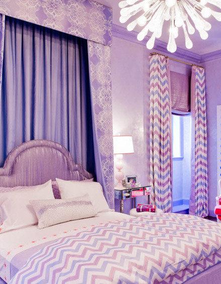 Фотография: Спальня в стиле Современный, Декор интерьера, Дизайн интерьера, Мебель и свет, Цвет в интерьере, Стены, Розовый, Фуксия – фото на InMyRoom.ru