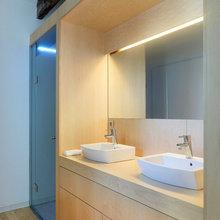 Фотография: Ванная в стиле Современный, Малогабаритная квартира, Квартира, Цвет в интерьере, Дома и квартиры, Белый, Переделка – фото на InMyRoom.ru