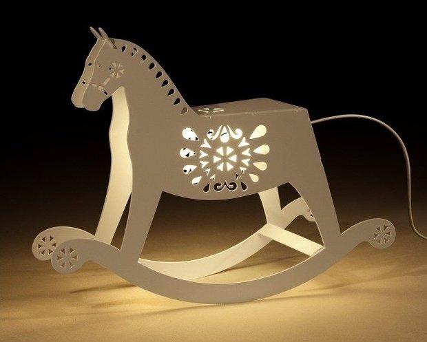 Фотография: Мебель и свет в стиле , Декор интерьера, Декор дома, Праздник, Новый Год – фото на InMyRoom.ru