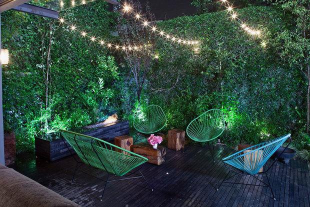 Фотография: Терраса в стиле Лофт, Ландшафт, Мебель и свет, Дом и дача, как осветить дачный участок, как выбрать фонари для сада – фото на INMYROOM