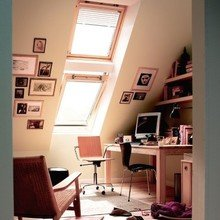 Фотография: Кабинет в стиле Минимализм, Интерьер комнат, Мансарда – фото на InMyRoom.ru