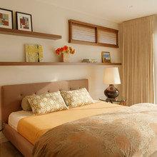 Фотография: Спальня в стиле Современный, Восточный, Декор интерьера, Дом, Мебель и свет, Полки, Лепнина – фото на InMyRoom.ru