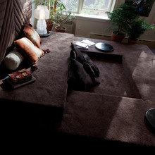 Фотография: Гостиная в стиле Современный, Малогабаритная квартира, Дизайн интерьера, Нью-Йорк, Диван, Декоративные панели – фото на InMyRoom.ru