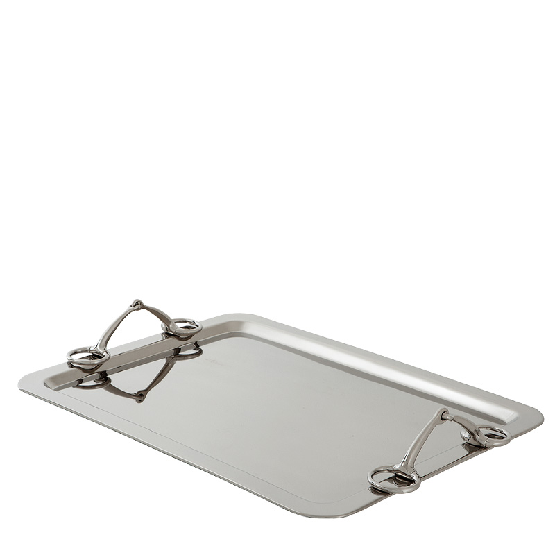 Поднос Buccaneer Eichholtz с двумя ручками выполнен из никелированного металла