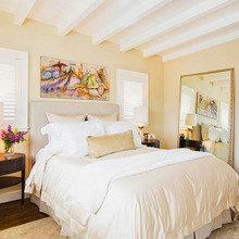Фотография: Спальня в стиле Кантри, Декор интерьера, Дизайн интерьера, Цвет в интерьере, Желтый – фото на InMyRoom.ru