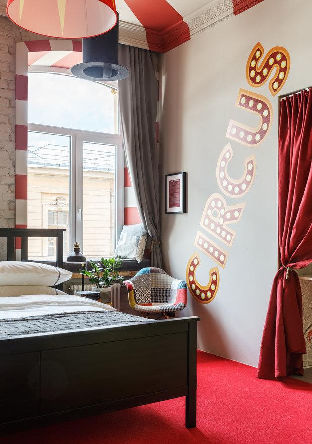 Фотография: Спальня в стиле Лофт, Эклектика, Квартира, Проект недели, Санкт-Петербург, Макс Жуков, Виктор Штефан, Кирпичный дом, ToTaste Studio, 4 и больше, Более 90 метров – фото на INMYROOM