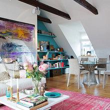Фотография: Гостиная в стиле Скандинавский, Лофт, Квартира, Швеция, Цвет в интерьере, Дома и квартиры, Белый, Картины – фото на InMyRoom.ru