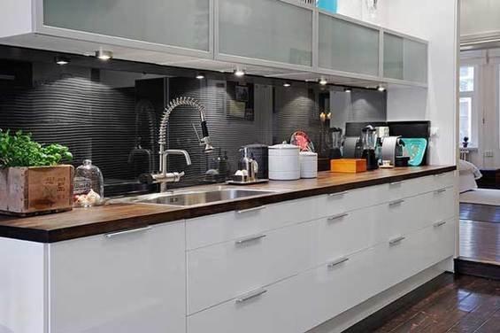 Фотография: Кухня и столовая в стиле Современный, Квартира, Швеция, Мебель и свет, Дома и квартиры, Гетеборг – фото на InMyRoom.ru
