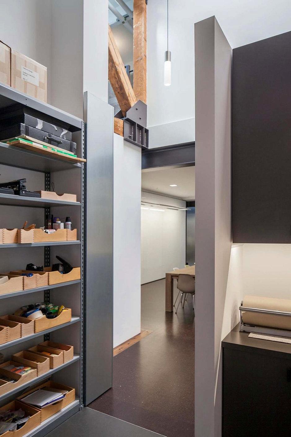 Фотография:  в стиле Современный, Офисное пространство, Офис, Дома и квартиры, Проект недели – фото на InMyRoom.ru