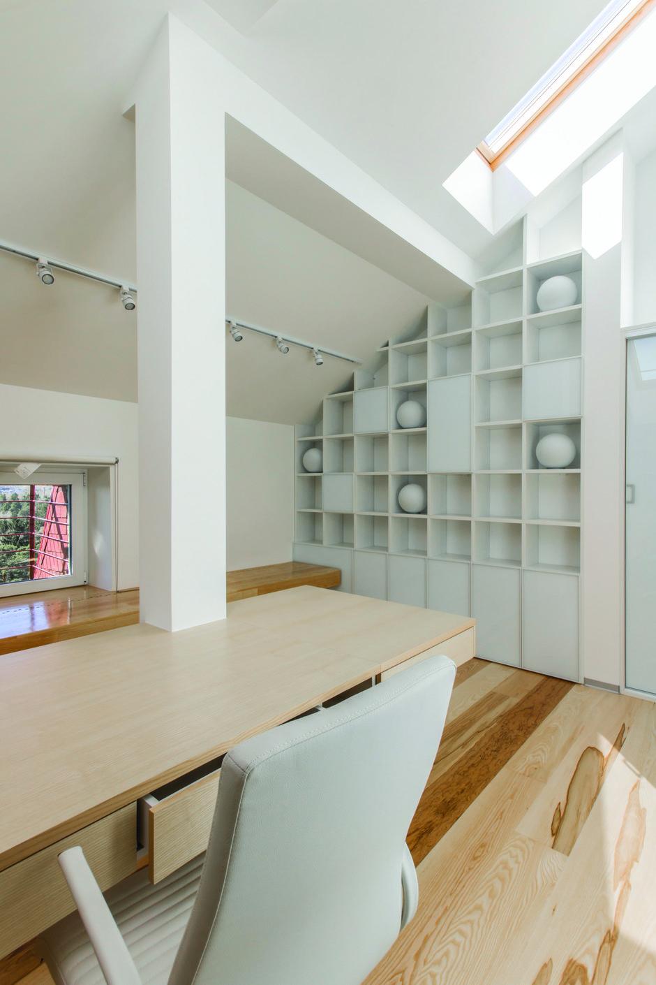 Фотография: Офис в стиле Лофт, Квартира, BoConcept, Дома и квартиры, Белый, IKEA, Проект недели, Мансарда – фото на InMyRoom.ru