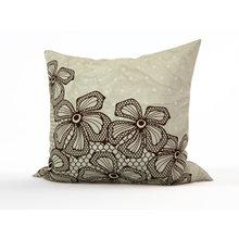 Диванные подушки: Кружевные цветы