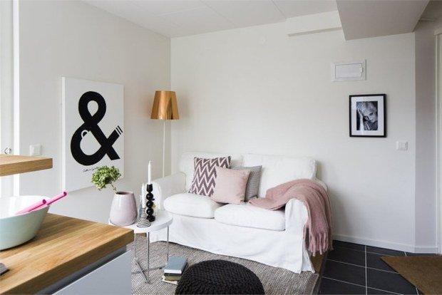 Фотография: Гостиная в стиле Скандинавский, Малогабаритная квартира, Квартира, Планировки, Хранение – фото на InMyRoom.ru