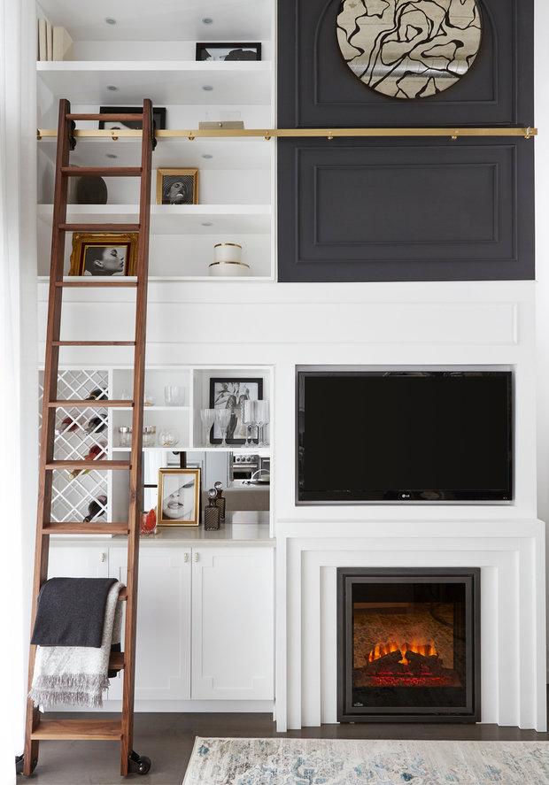 Фотография: Гостиная в стиле Современный, Декор интерьера, Квартира, США, Белый, Черный, Бежевый, 40-60 метров – фото на InMyRoom.ru