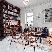 Фото из портфолио Гостиные с белыми полами и белыми стенами – фотографии дизайна интерьеров на INMYROOM