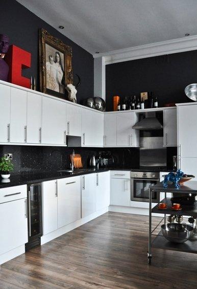 Фотография: Кухня и столовая в стиле Эклектика, Квартира, Цвет в интерьере, Дома и квартиры, IKEA, Лондон, Черный, Поп-арт – фото на InMyRoom.ru