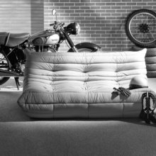 Фотография:  в стиле Современный, Индустрия, Новости, Мягкая мебель, Диван, Ligne Roset – фото на InMyRoom.ru