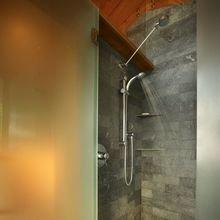 Фотография: Ванная в стиле Современный, Декор интерьера, Дом, Декор дома, Стены – фото на InMyRoom.ru