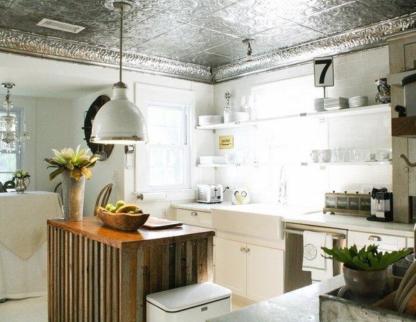 Фотография: Кухня и столовая в стиле Прованс и Кантри, Лофт, Ремонт на практике – фото на InMyRoom.ru
