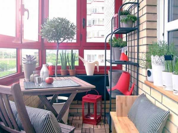 Фотография: Балкон в стиле Прованс и Кантри, Квартира, Советы, Ремонт на практике, как покрасить пластиковое окно, пластиковое окно, пластиковые окна, декор пластикового окна – фото на InMyRoom.ru