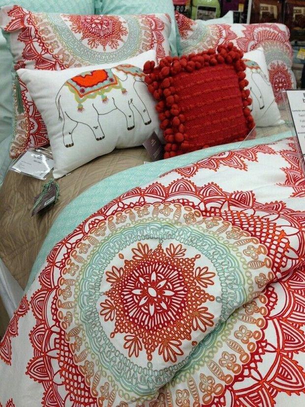 Фотография:  в стиле , Спальня, Текстиль – фото на InMyRoom.ru