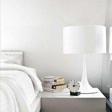 Фотография: Спальня в стиле Минимализм, Декор интерьера, Мебель и свет, Декор дома – фото на InMyRoom.ru