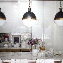 Фотография: Кухня и столовая в стиле Современный, Декор интерьера, Мебель и свет, Стол – фото на InMyRoom.ru