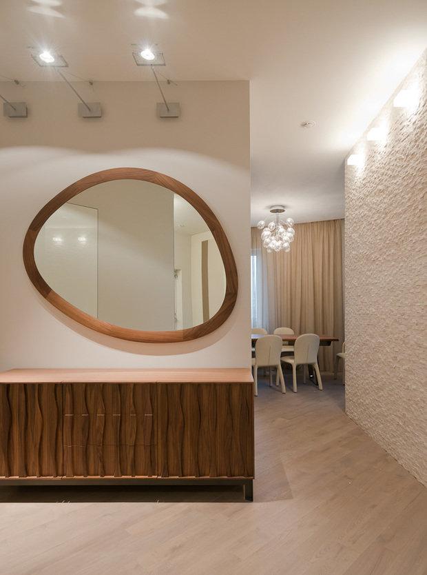 Фотография: Прихожая в стиле Минимализм, Классический, Квартира, Проект недели, Москва, Бежевый – фото на InMyRoom.ru