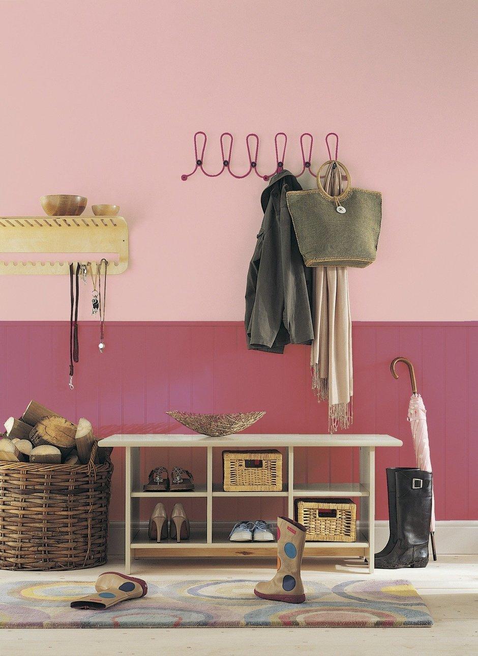 Фотография: Прихожая в стиле Прованс и Кантри, Декор интерьера, Дизайн интерьера, Цвет в интерьере, Красный – фото на InMyRoom.ru