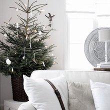 Фотография: Гостиная в стиле Скандинавский, Декор интерьера, Праздник, Новый Год – фото на InMyRoom.ru