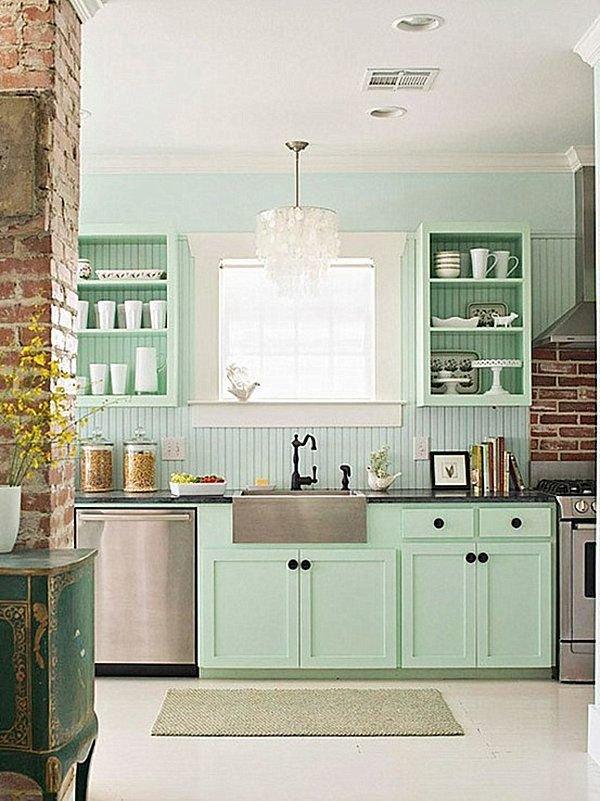 Фотография: Кухня и столовая в стиле Прованс и Кантри, Декор интерьера, Дизайн интерьера, Цвет в интерьере, Белый, Синий, Серый – фото на InMyRoom.ru